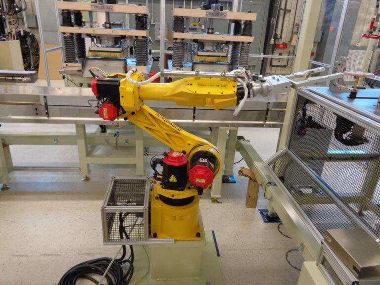 Hot Parts Transferring Robot