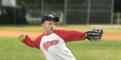 outdoor baseball throwing classes