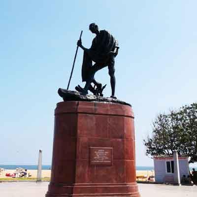 Mariana Beach Photo: Chennai Gandhi Statue