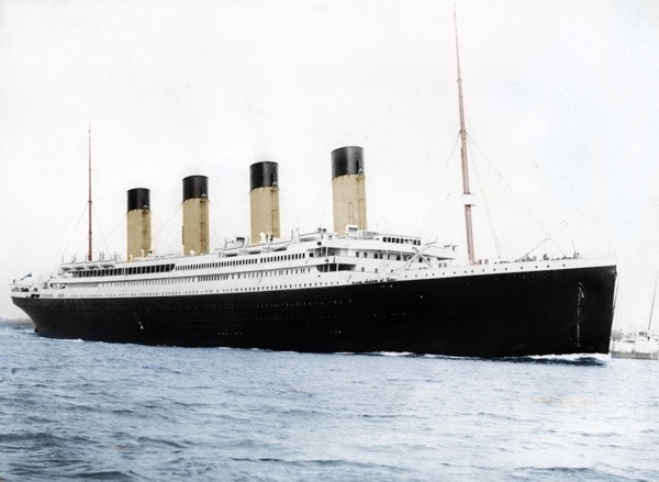 Titanic_Colourised,_photographed_in_Southampton
