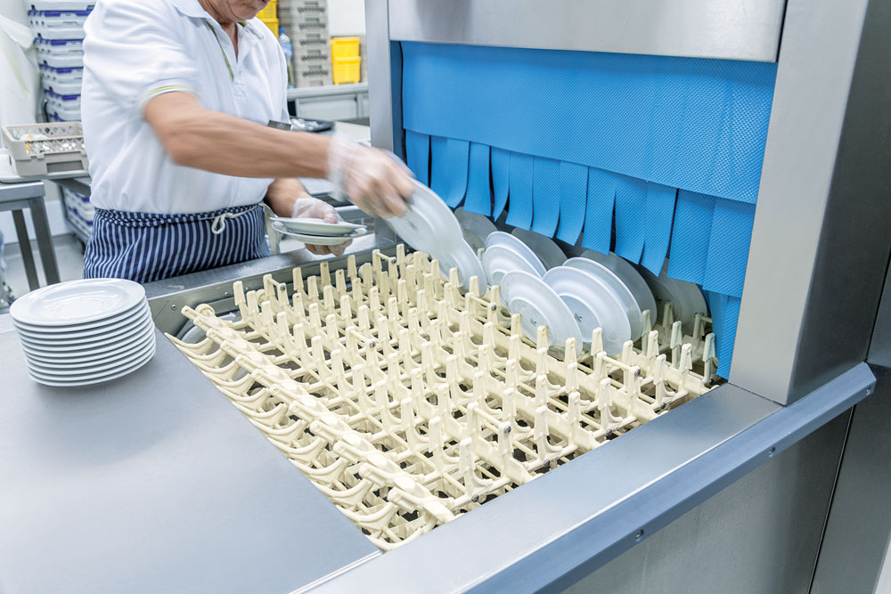 MEIKO's M-iQ conveyor dishwasher