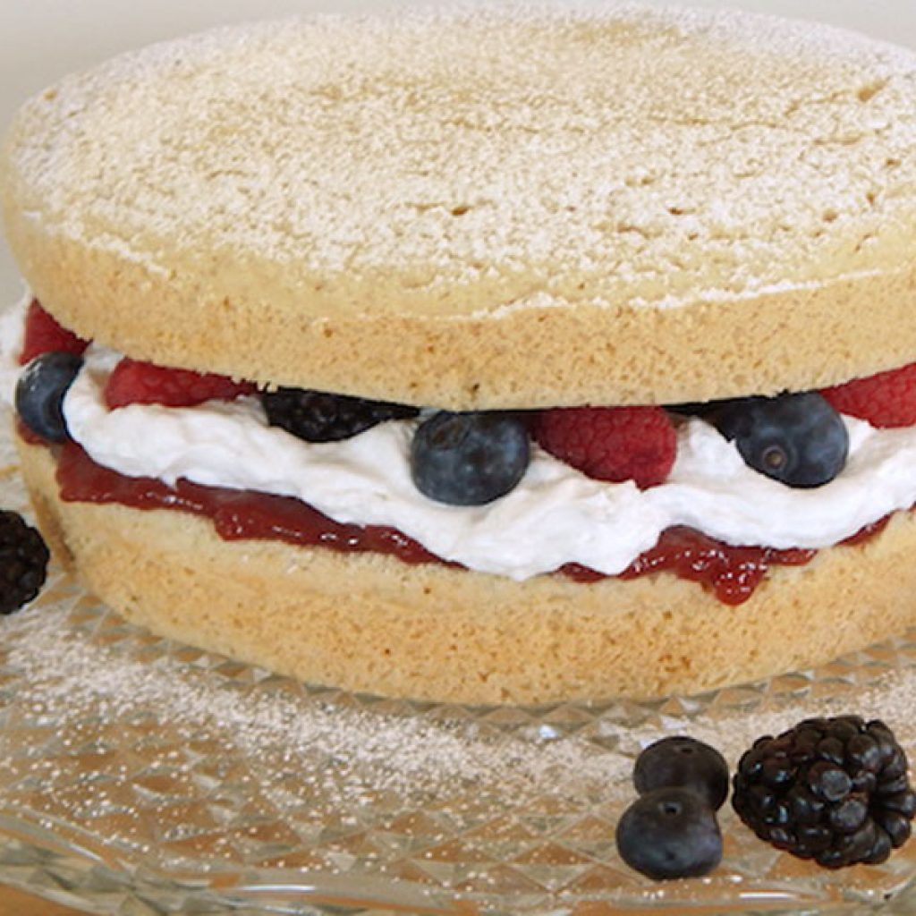 Vanilla Berry Cake | Anita's Organic Mill