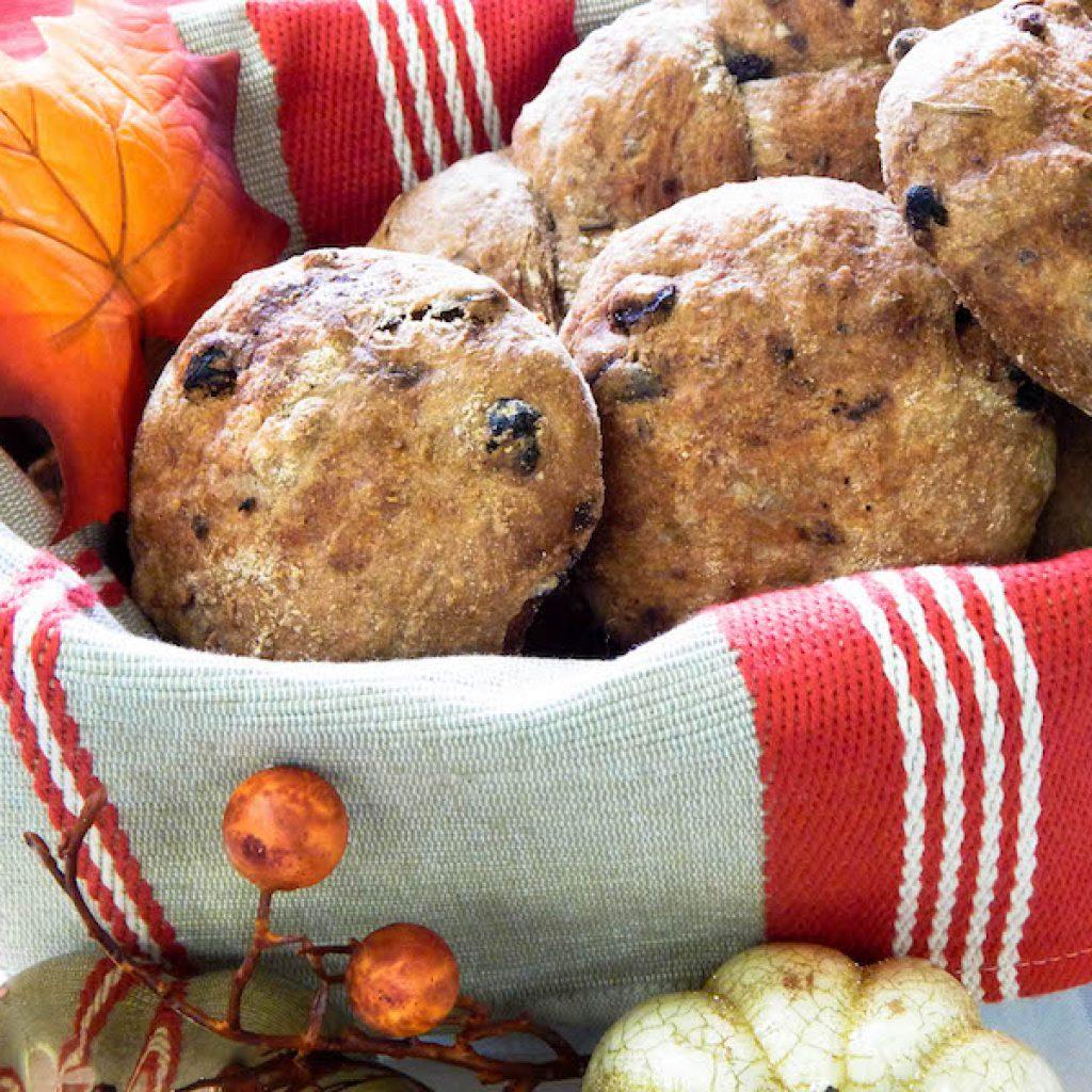No Knead Walnut & Cranberry Rolls and Festive Braid | Anita's Organic Mill