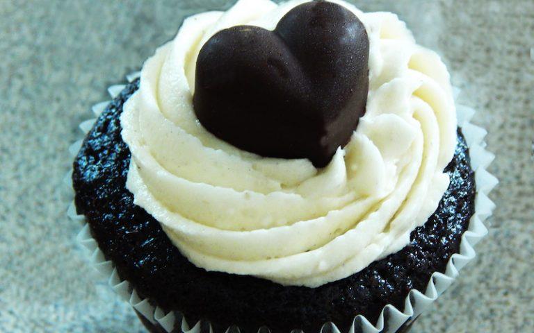 Chocolate Vanilla Cupcakes | Anita's Organic Mill