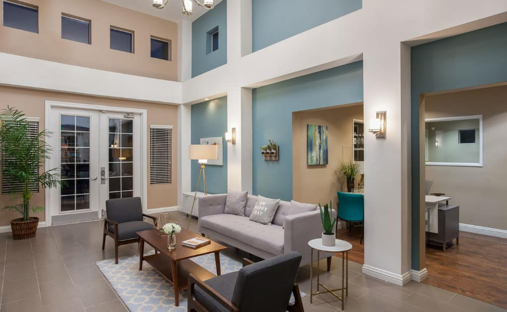 High ceiling apartments fountain valley