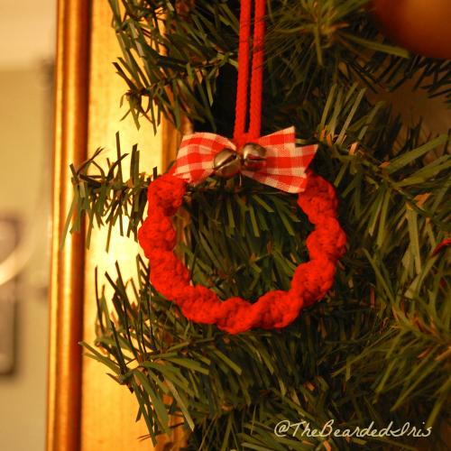 TheBeardedIris Vintage Macrame Wreath Ornament