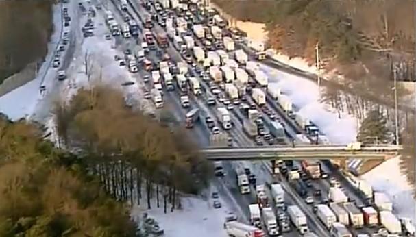 aerial-view-of-massive-traffic-snarl-during-atlantas-2014-snow-storm-via-nbc-charlotte-wcnc_100454582_m