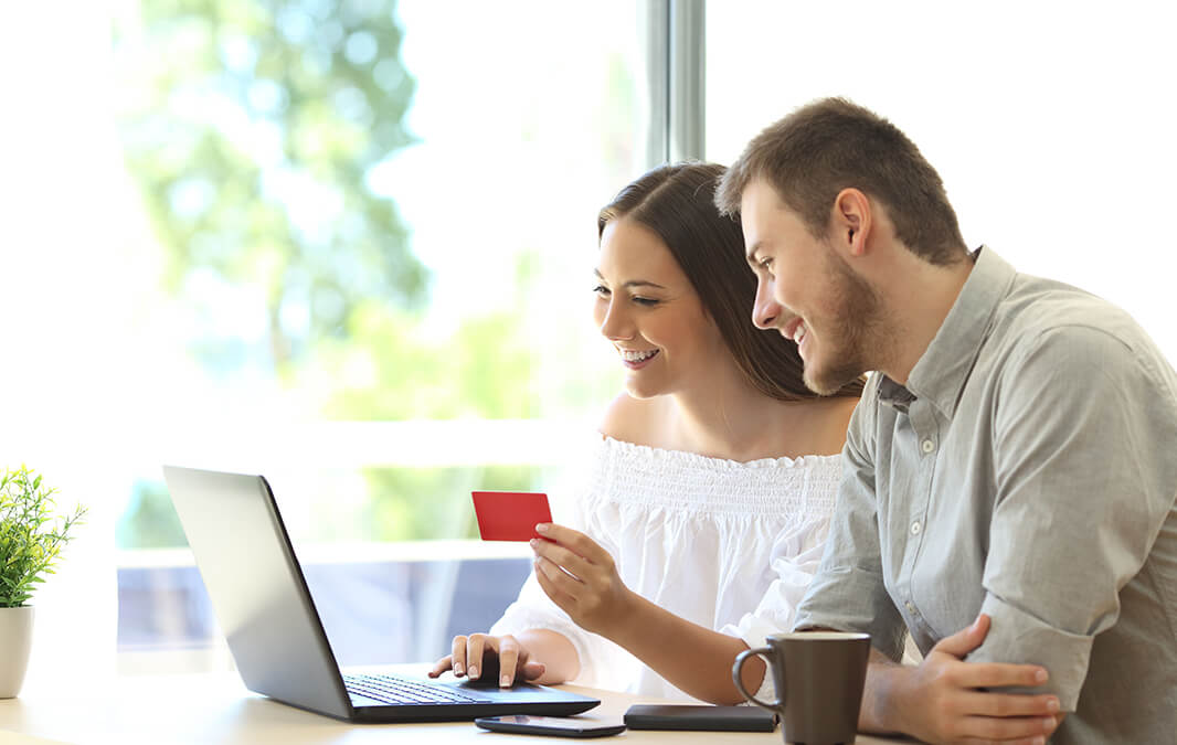 Couple doing online payment