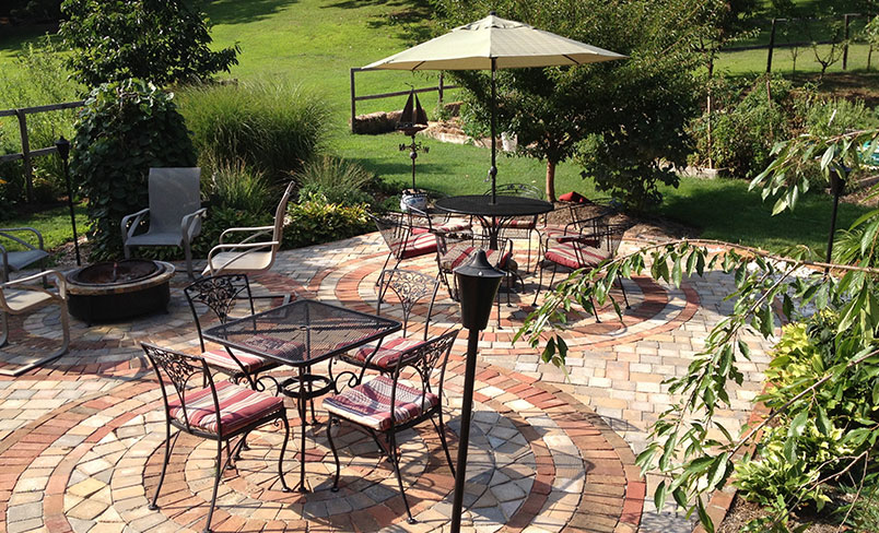 Patio | Meadow Gardens Bed & Breakfast