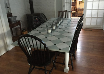 Dining table | Meadow Gardens Bed & Breakfast