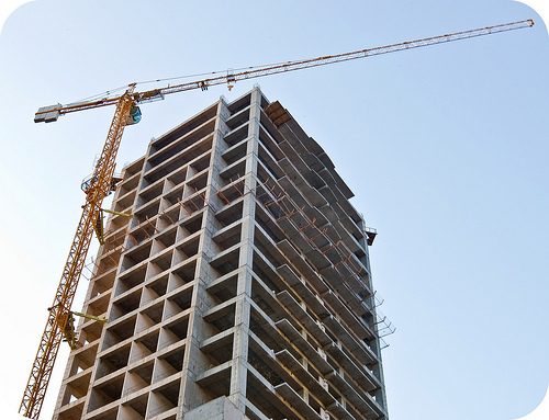 Base structure of high rise with crane