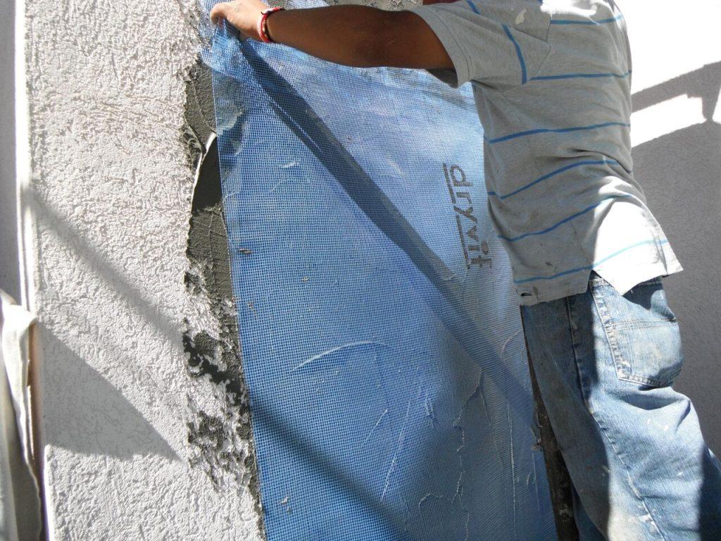 stucco cracks