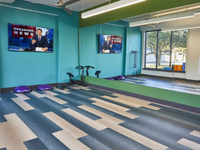 848 Mitchell - Fully-loaded fitness center