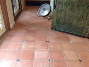Clean Saltillo Tiles los altos