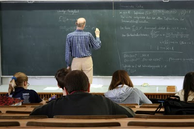 Lecture and chalkboard