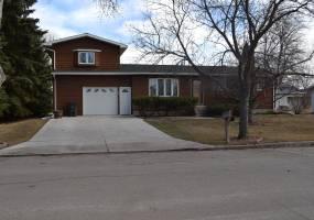 805 Kersten,Bottineau,North Dakota 58318,4 Bedrooms Bedrooms,2 BathroomsBathrooms,Land,Kersten,1120