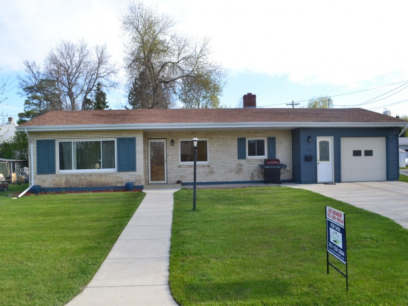 116 9th street West,Bottineau,North Dakota 58318,3 Bedrooms Bedrooms,2 BathroomsBathrooms,Residental,9th street West,1044