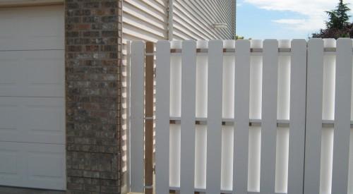 Vinyl Neighbor Friendly Gate