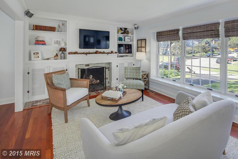 AA8771711 - Living Room