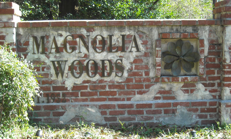 magWoodSign