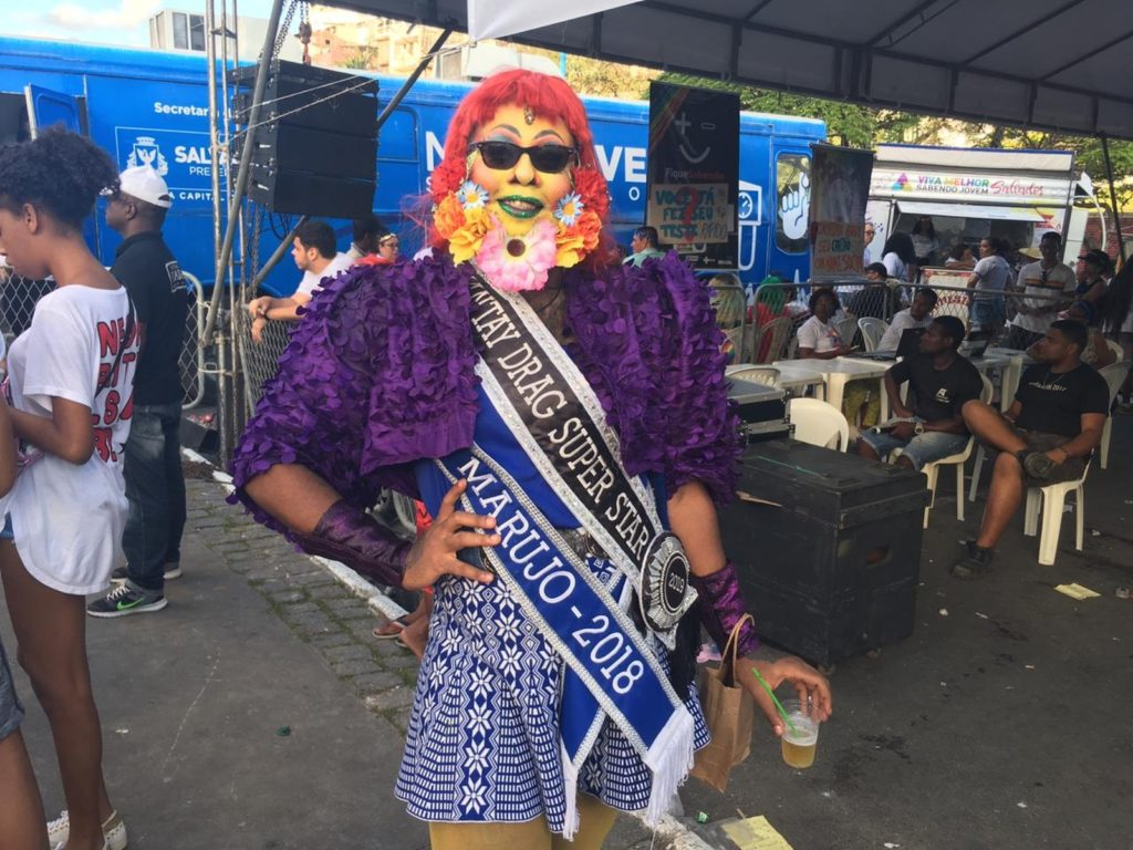 O que não faltou foi criatividade do público nas fantasias para participar da Parada LGBT de Salvador. (Foto: João Souza)