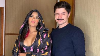 Flasylane e Rafa Vieira em um estúdio em São Paulo; cantora contratou o preparador vocal. (Foto: Reprodução/Instagram)