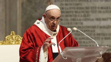 Papa Francisco durante celebração de missa no Vaticano em meio de 2020. (Foto: Remo Casilli/AP)