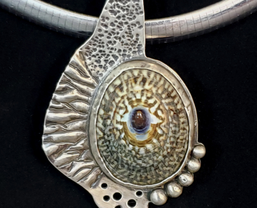 Sterling Silver pendant with limpet shell