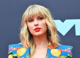 Taylor Swift is Releasing a New Album Tonight. What do you Need to Know?