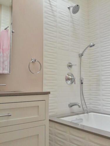 guest bath 1 detail