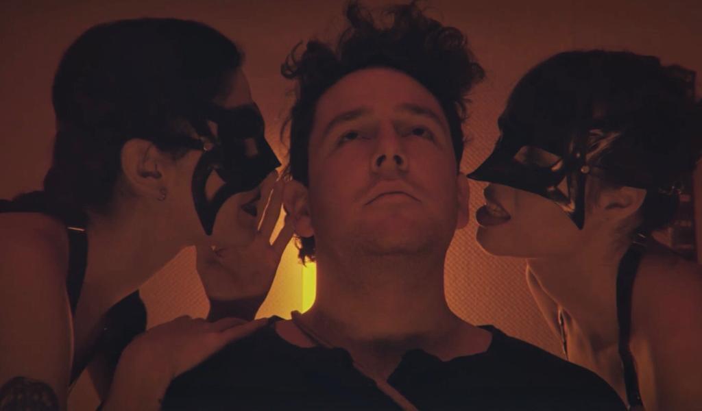 Jauuar publicó videoclip de 'Vixen', su single debut