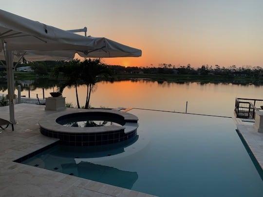 Lees-Sunrize Spa and Pool
