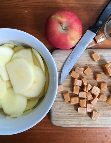 caramel-and-apples