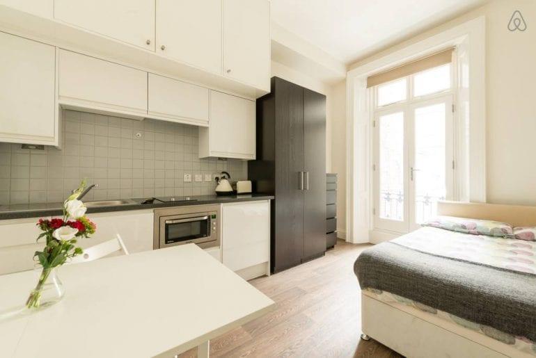 airbnb apartment in london victoria area