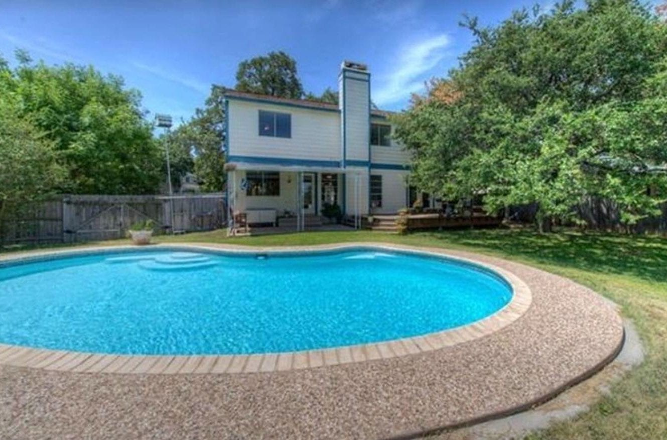 Austin Airbnb pool house