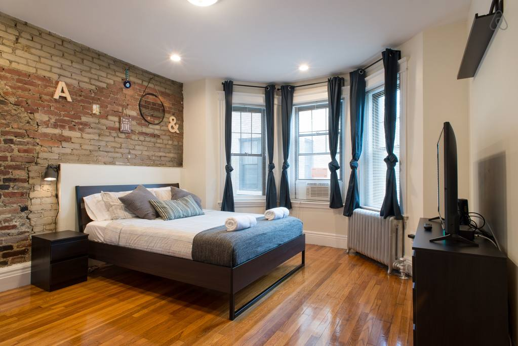 spacious airbnb apartment fenway park boston