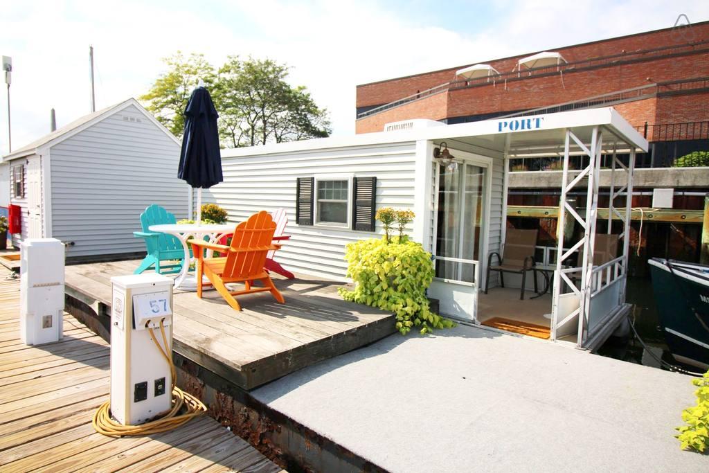 boston airbnb studio on freedom trail