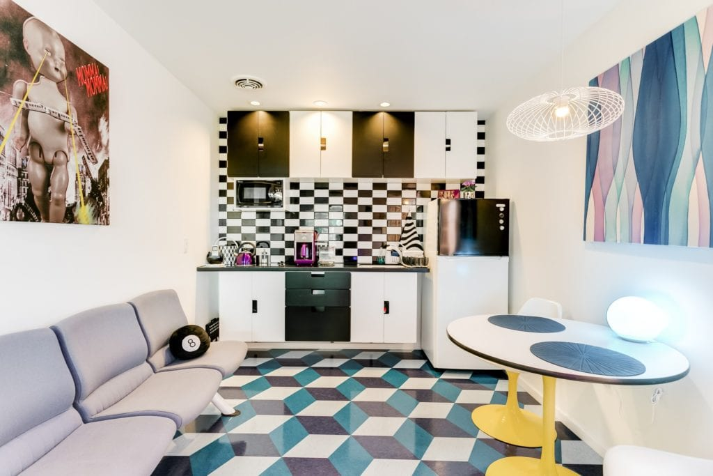 1960 pop art guest house LA airbnb