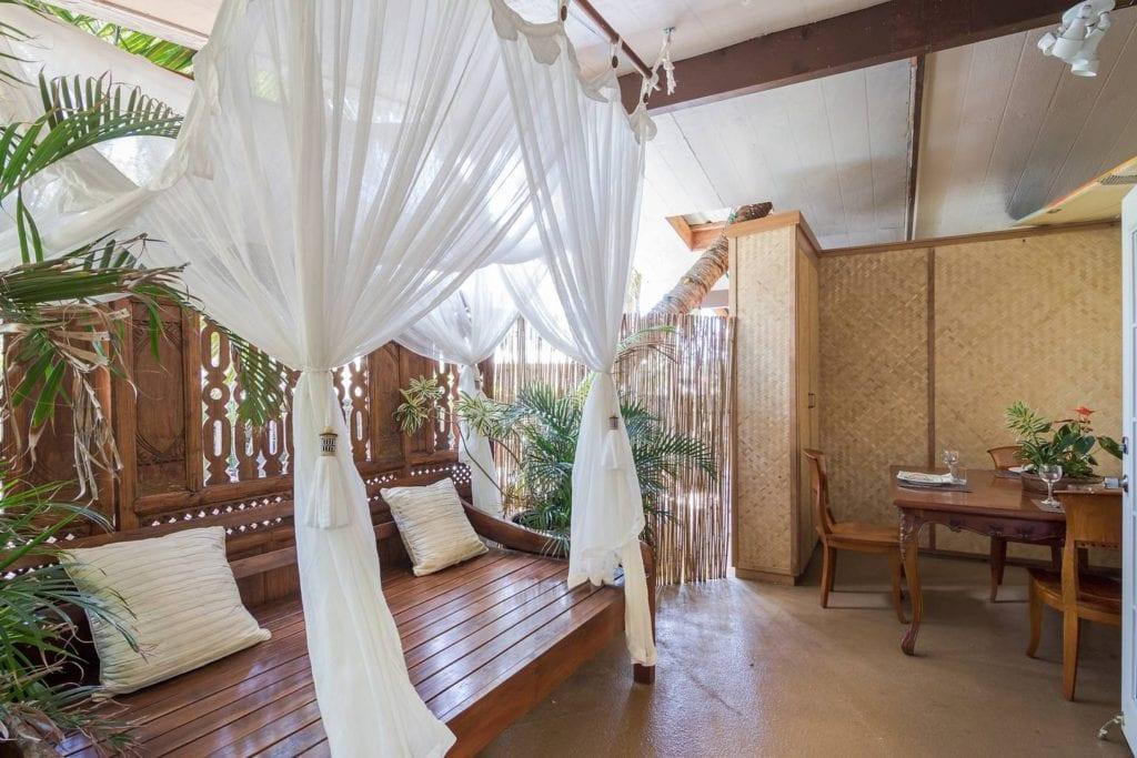 airbnb hawaii indoor outdoor suite