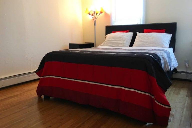 harvard summer school Queen sized bedroom