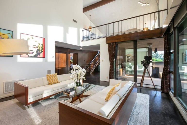 airbnb home with views in hollywood hills la