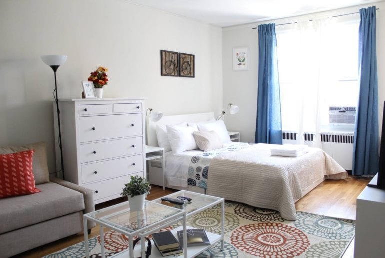 charming chelsea studio airbnb new yoek city