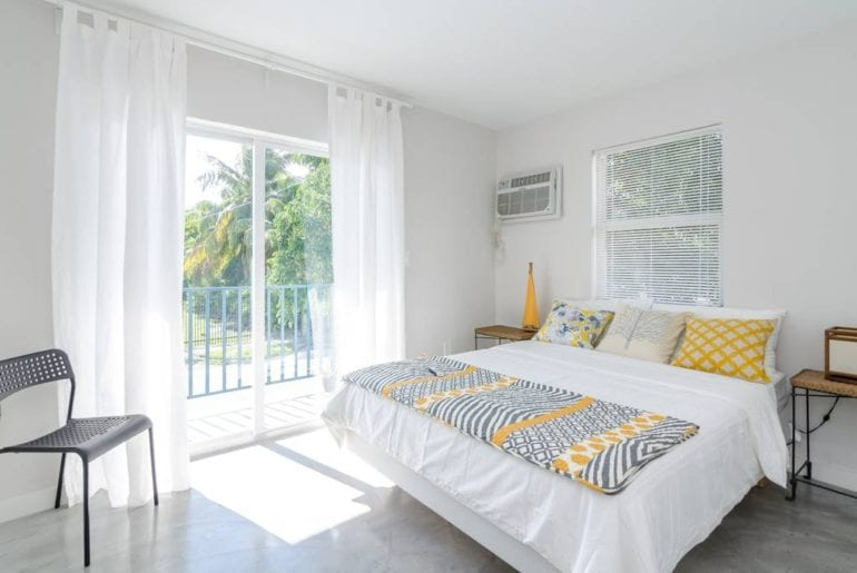 airbnb wynwood apartment with balcony miami