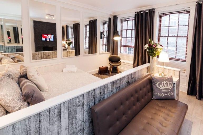 renovated airbnb studio soho london