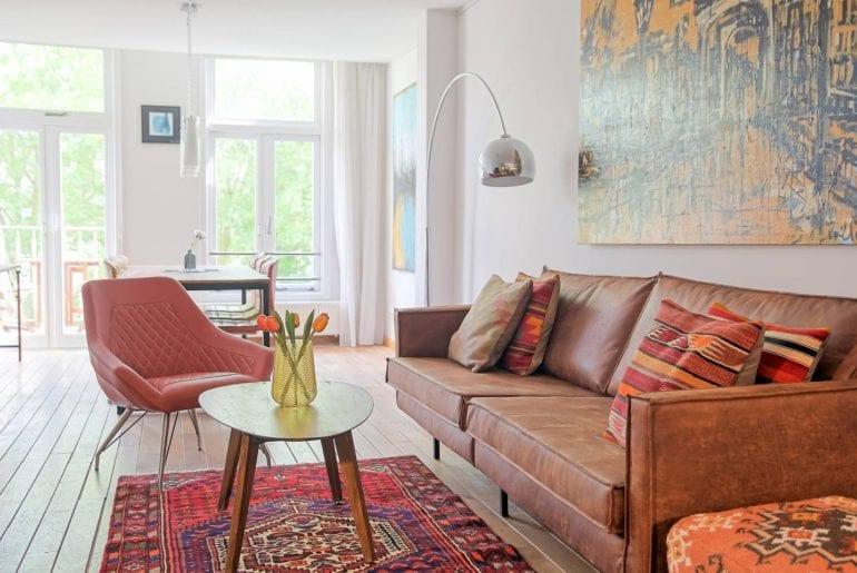 renovated airbnb studio central amsterdam