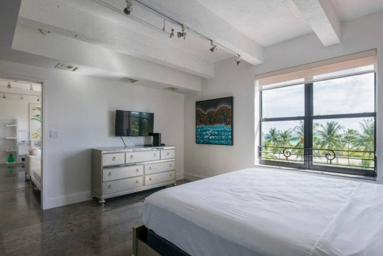 luxury airbnb 2 bed apartment ocean drive miami
