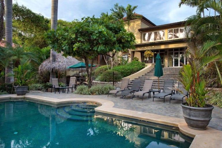 airbnb resort style home in playa langosta