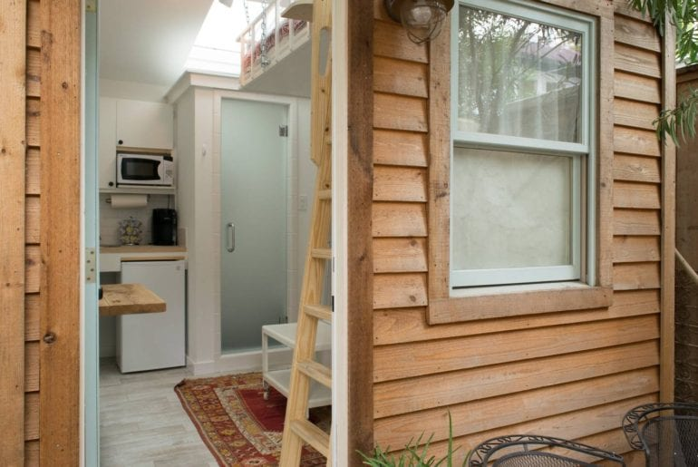 tiny house houston airbnb