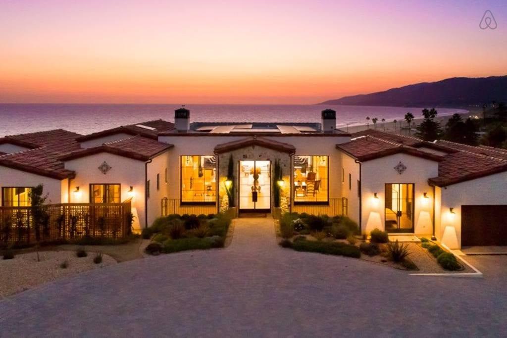 Villa Sogno Los Angeles Architecture Highlight