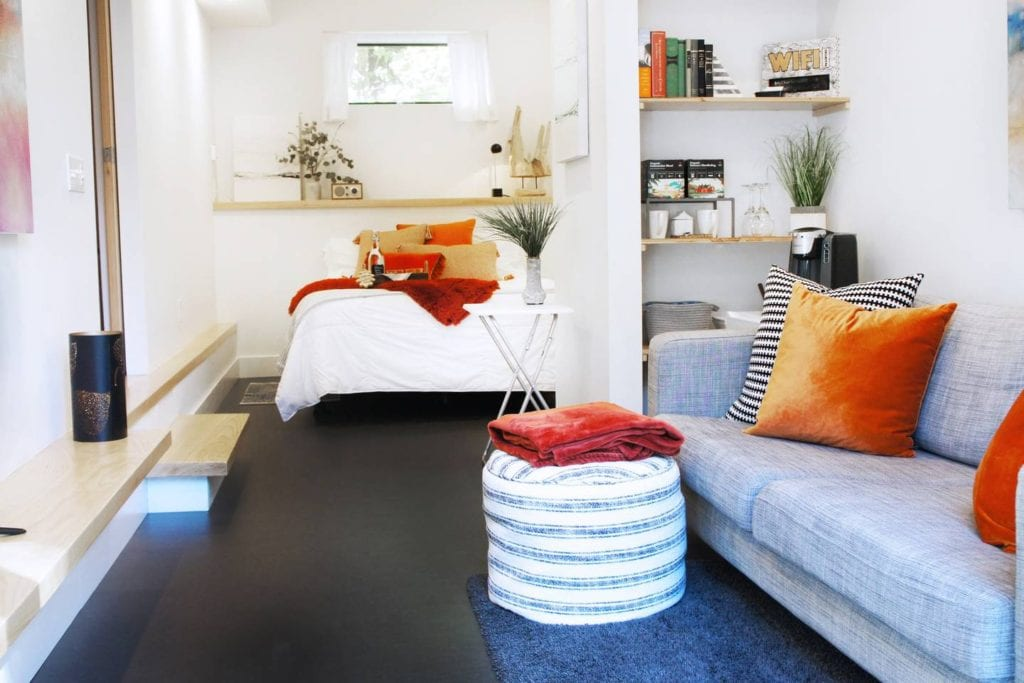 Bright and colorful suite in a romantic, Asheville guesthouse